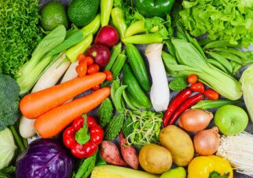 Como as empresas podem ajudar seus funcionários a manter uma alimentação saudável dentro e fora do ambiente de trabalho
